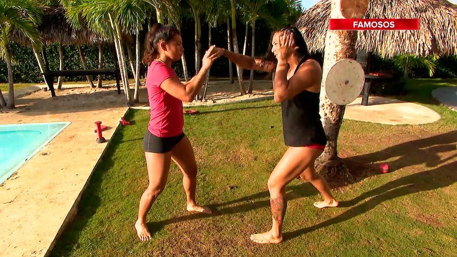 Karely y Alejandra entrenan boxeo