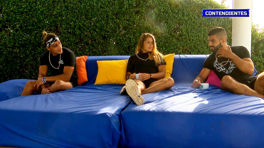 Elías, Verónica y Chuy conversan