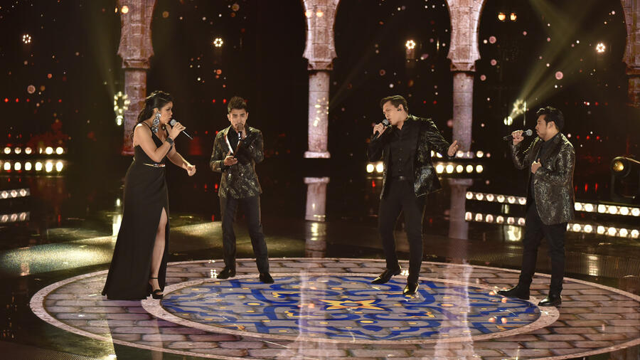 Julio, Aaron, Diana y Jimmy en la final de La Voz US 2