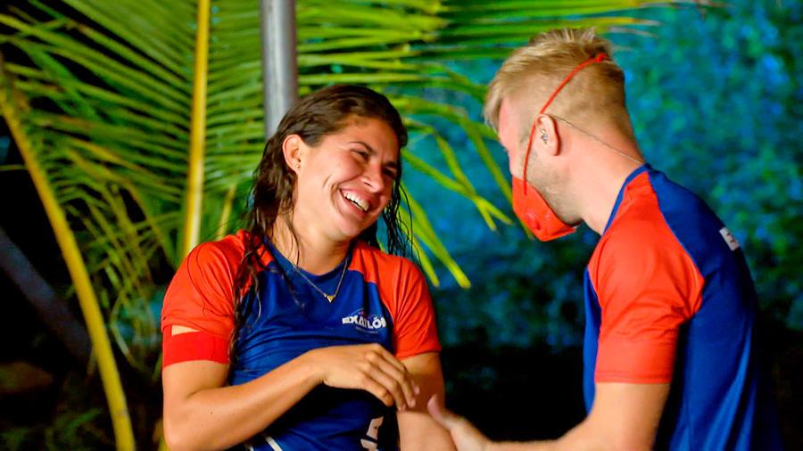 Nona sonríe con Nate