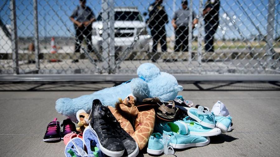 Objetos de niños migrantes.