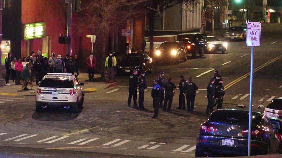 La policía de Tacoma.