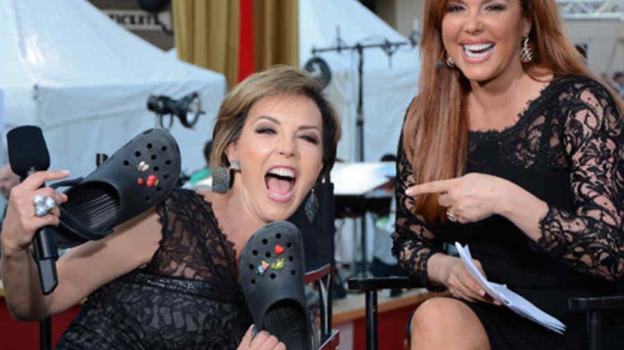 María Celeste Arrarás junto a la actriz Laura Flores