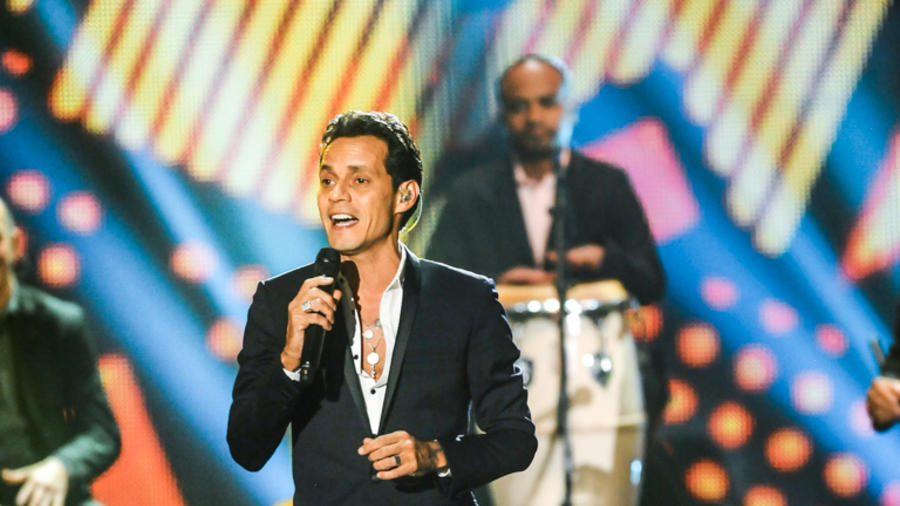 Marc Anthony cantando en Premios Billboard 2014