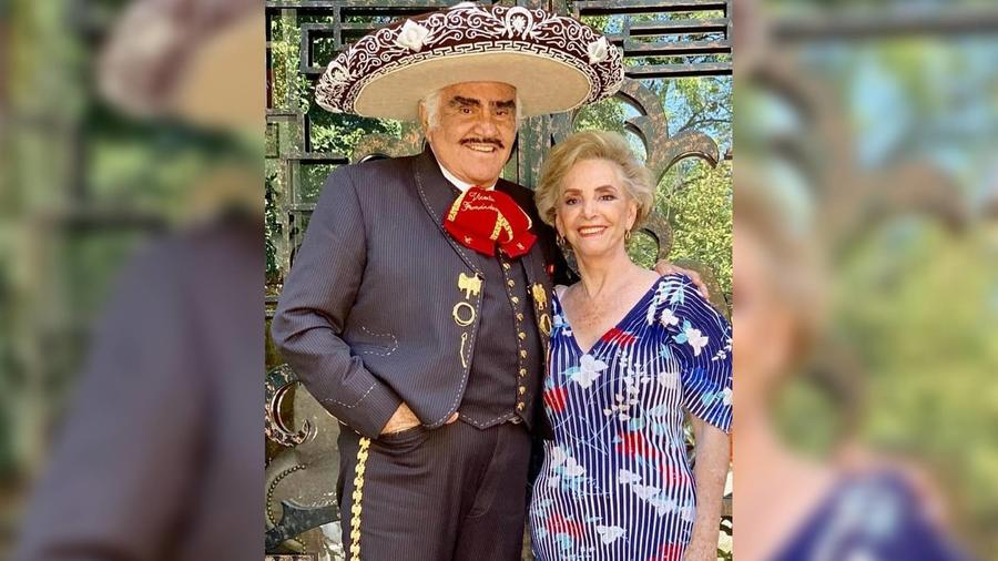 Vicente Fernández y su esposa Cuquita