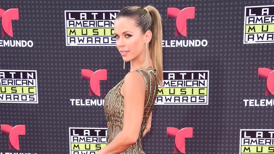 Ximena Duque en la alfombra roja de los Latin American Music Awards 2015