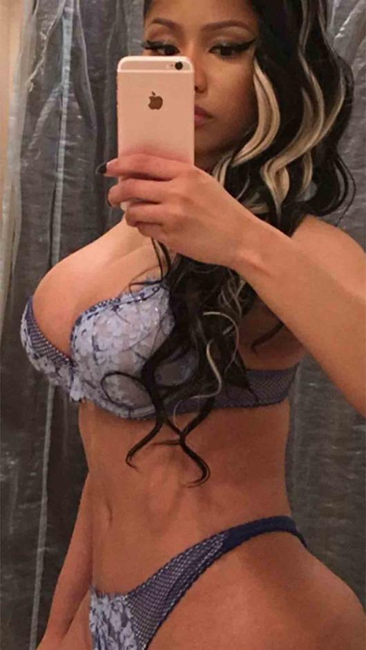 905aab4b5fcf Fotos sexis de famosos posando en ropa interior: Bella Thorne y más ...