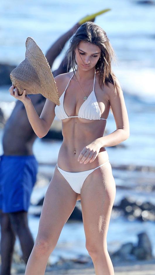 Hailey Baldwin Se Toma Una Sexy Selfie En Bikini Y Enciende Las