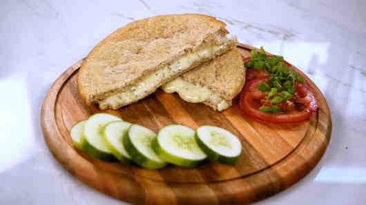 calorías sandwich integral de queso panela