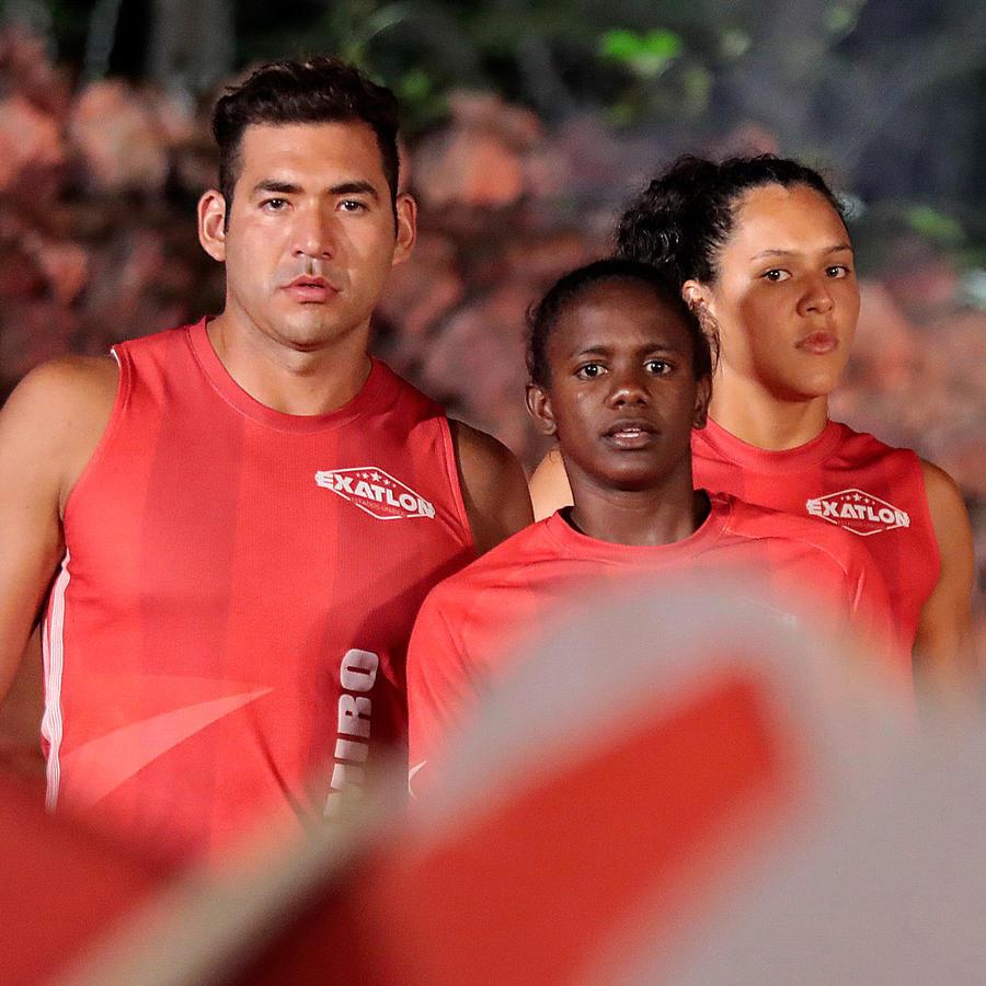 Ramiro, Yamilet y Alejandra miran la zona de la punteria