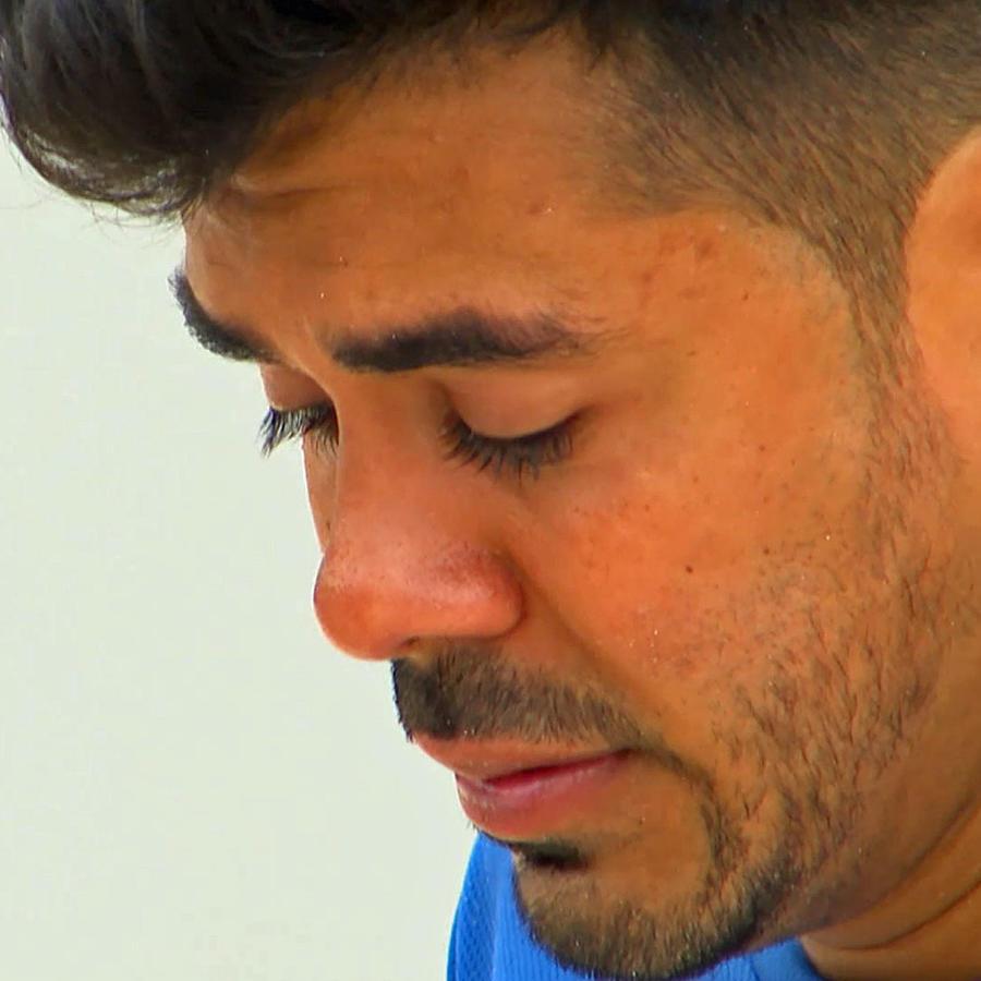 Jay llora la salida de Gabba