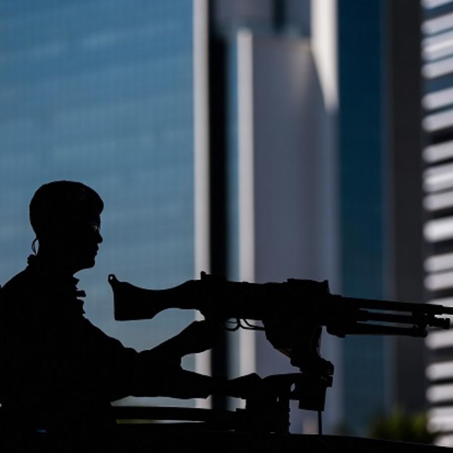Militares custodian la ciudad de Rio de Janeiro