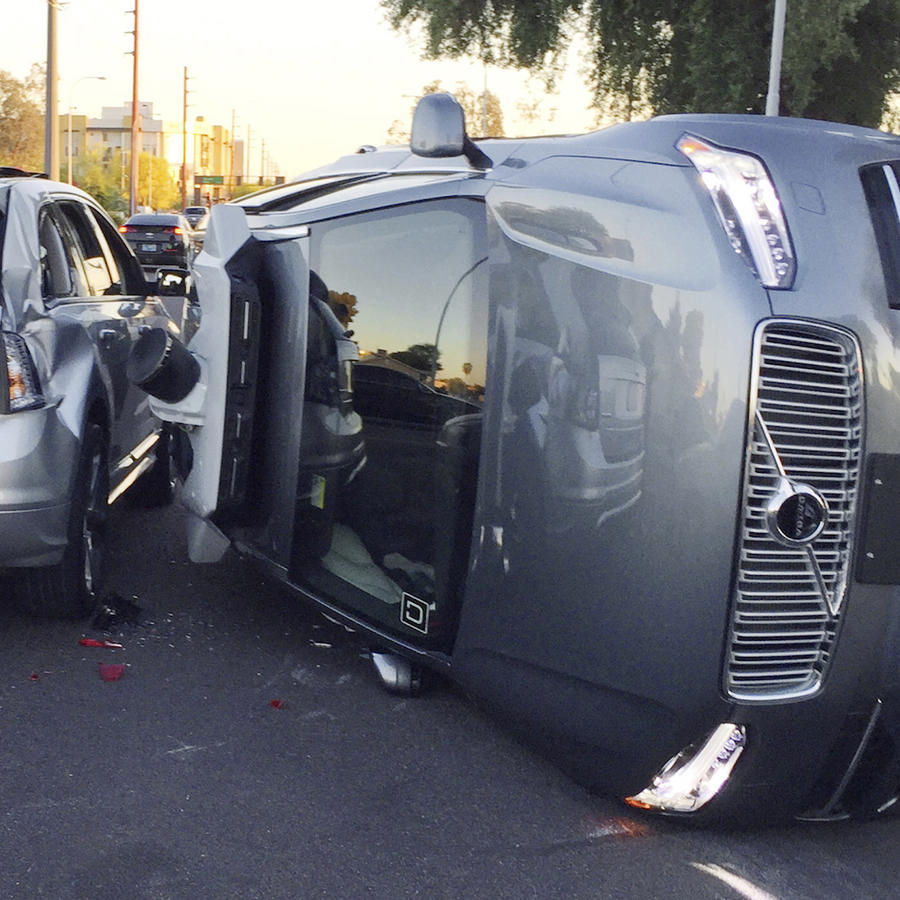 Un carro de Uber accidentado el 24 de marzo en Tempe (Arizona).