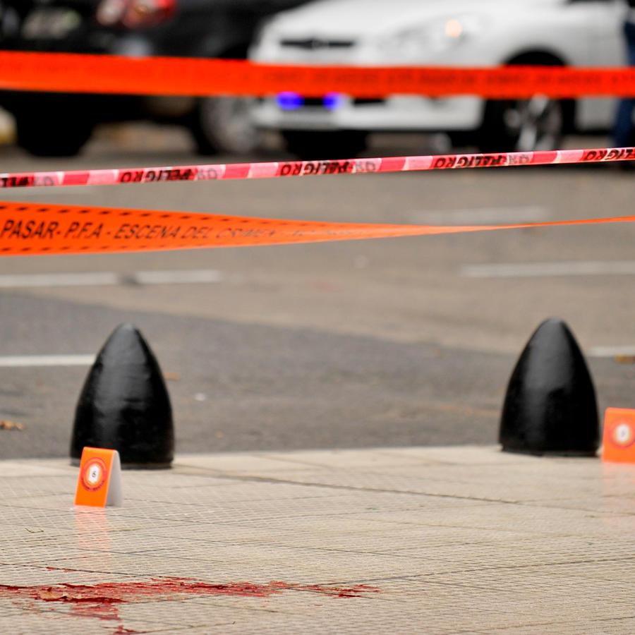 Escena donde fue tiroteado diputado argentino. Su acompañante resultó muerto frente al Congreso