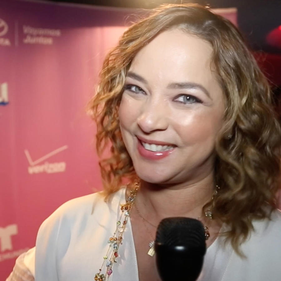Adamari López recibe premio como más admirada en redes sociales