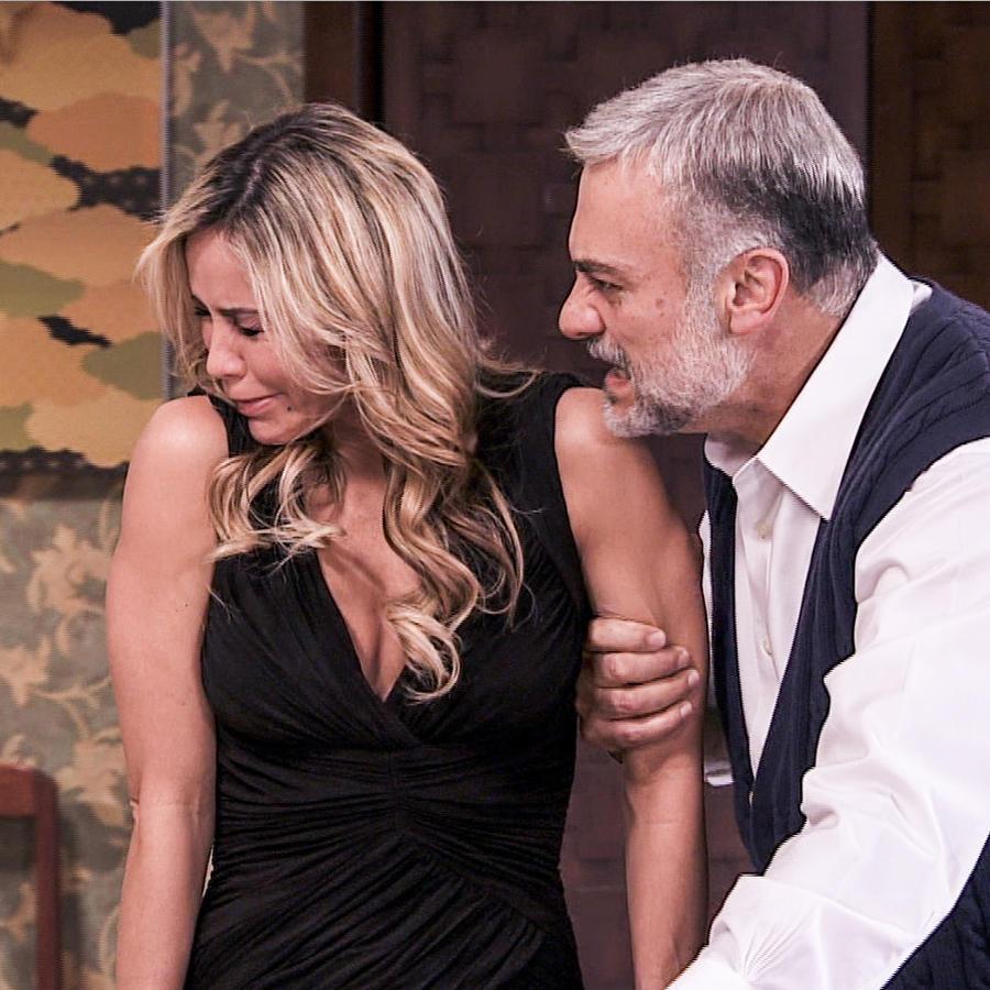 Aylín Mujica y Marco Treviño en Los Miserables