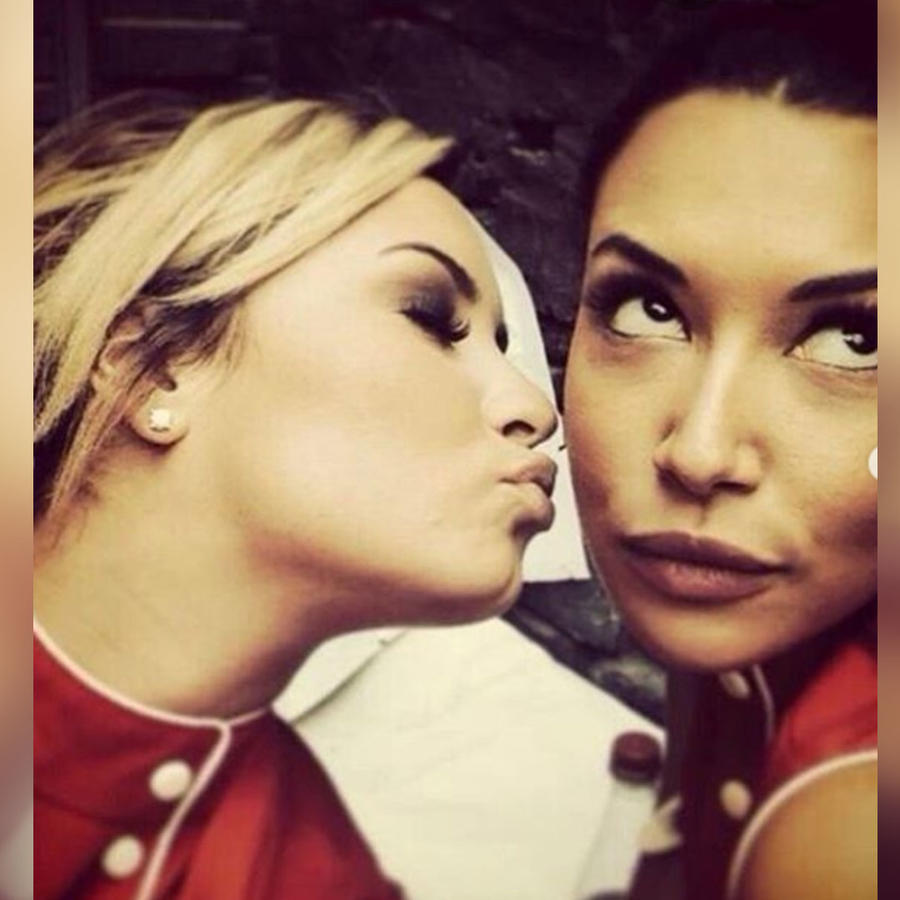 Demi Lovato con Naya Rivera en Glee