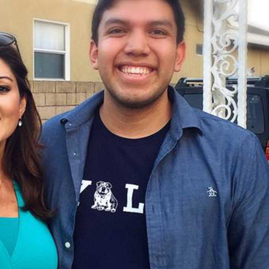 El joven hispano Fernando Rojas fue aceptado en las 8 más prestigiosas universidades de EEUU
