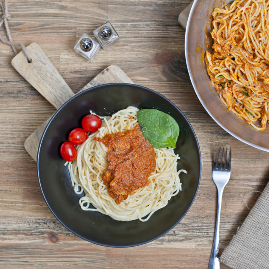 Plato de espagueti con espinaca