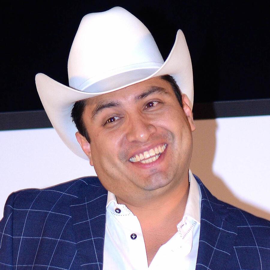 Julión Álvarez podría hacer un cambio drástico en su cuerpo