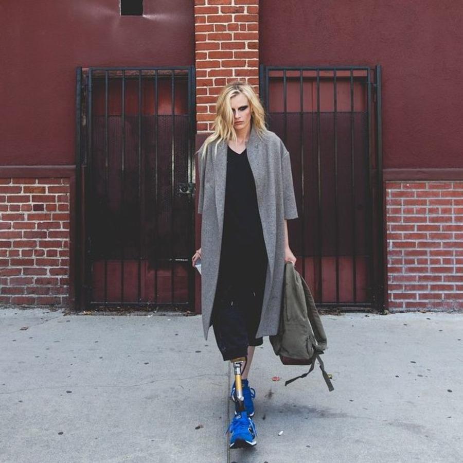Lauren Wasser en una sesión de fotos