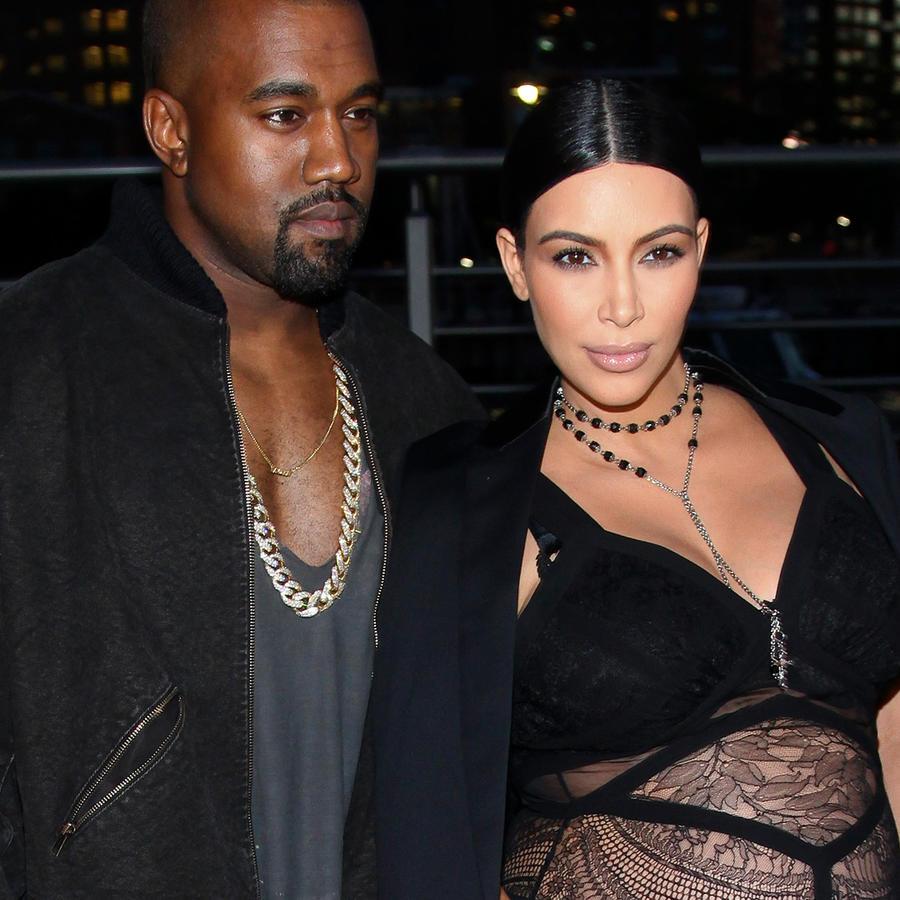 Kim Kardashian y Kanye West en el New York Fashion Week Spring/Summer 2016 Givenchy fashion show en Septiembre de 2015