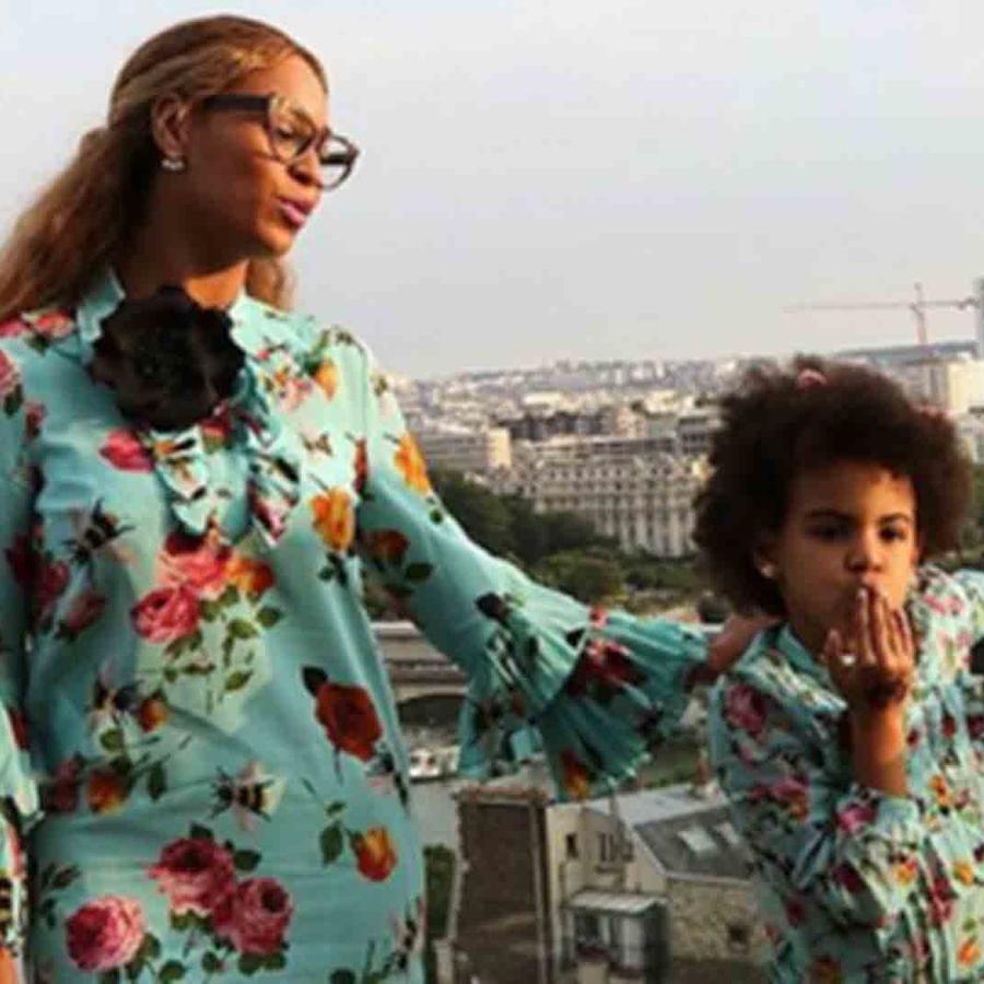 Beyoncé y Blue Ivy se visten iguales durante su paseo por París