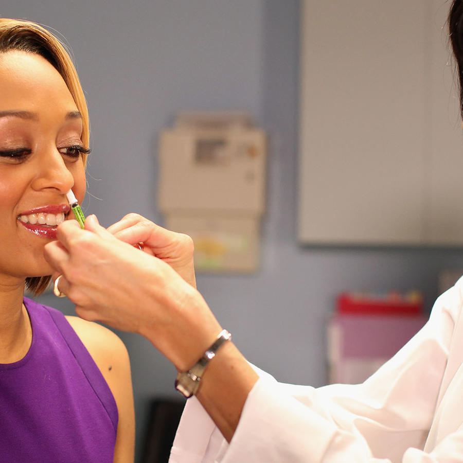 "Tia Mowry's ""I Insist!"" Video Shoot And Premiere"