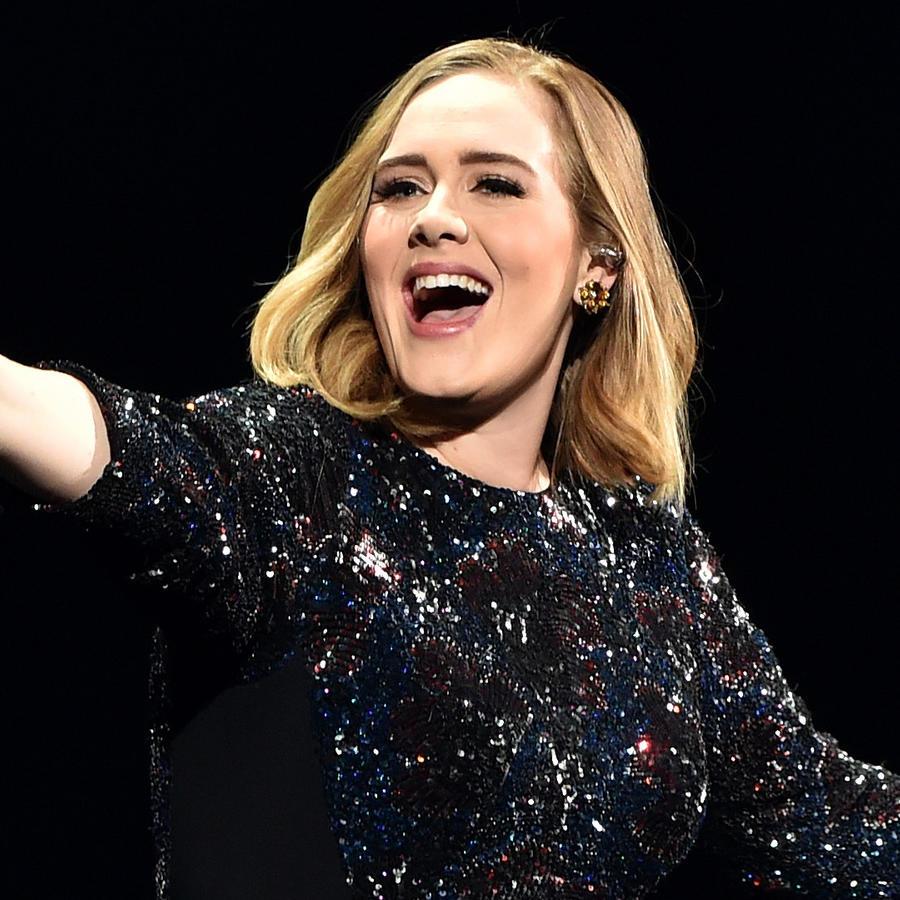 Adele cantando en Birmingham, England