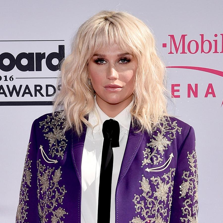 Kesha en la alfombra de los Billboard Music Awards 2016