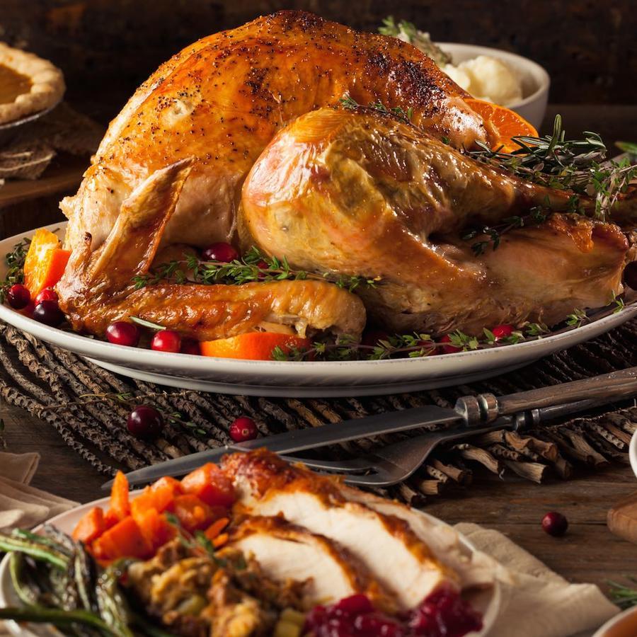 Cena de Thanksgiving con pavo
