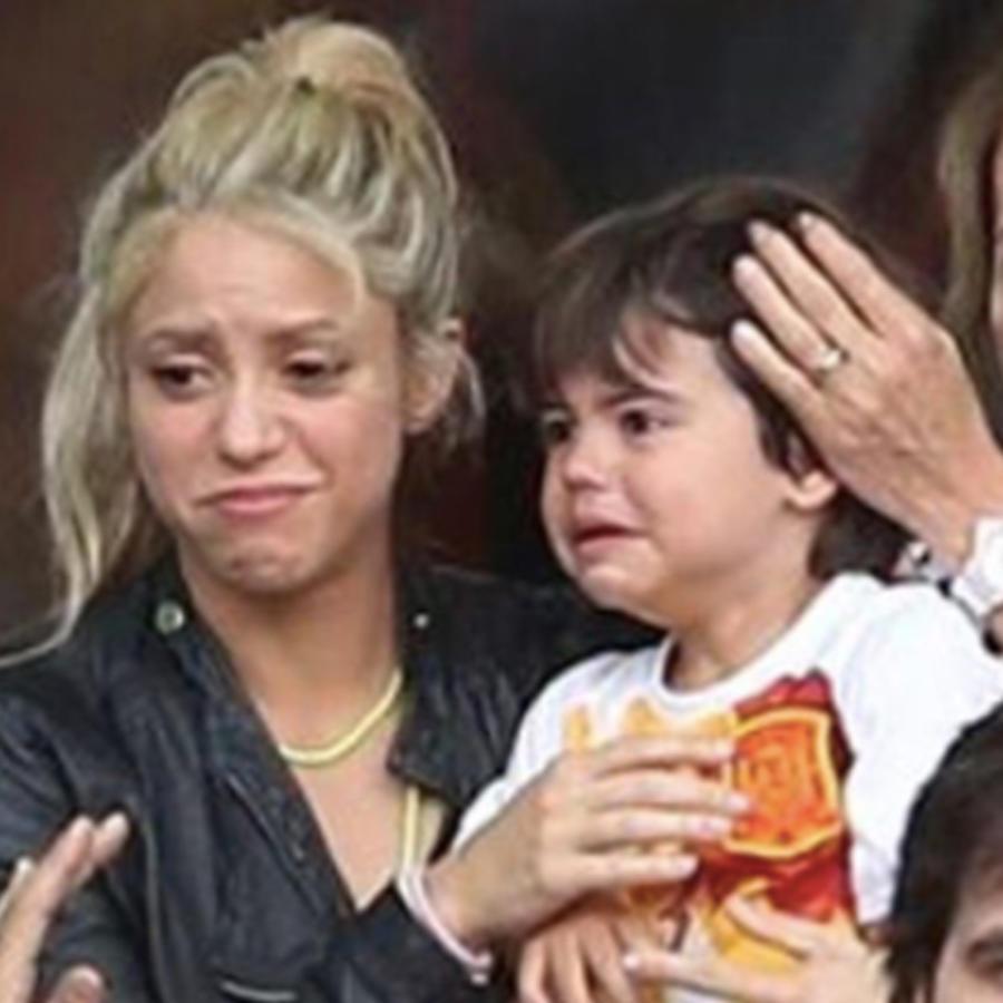 Shakira y su hijo Milan en un partido del Barcelona