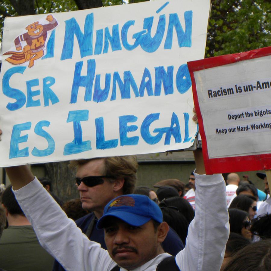 Hispanos inmigrantes preocupados ante cambios migratorios