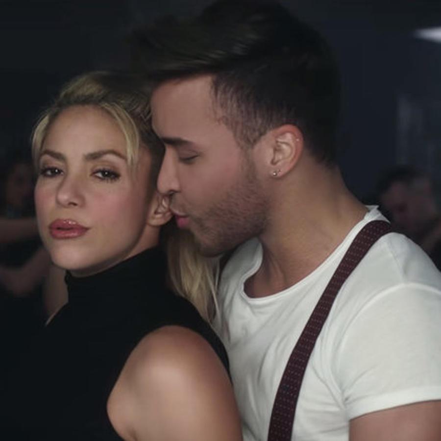 Shakira y Prince Royce en Deja Vu