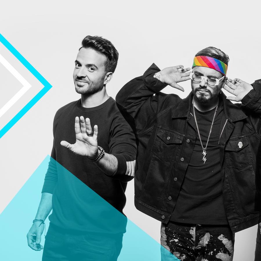 Luis Fonsi, J Balvin y Bad Bunny en ensayos de Premios Billboard 2017.