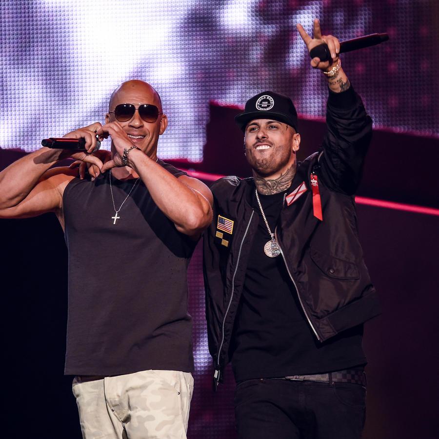 Vin Diesel con Nicky Jam en los Premios Billboard 2017