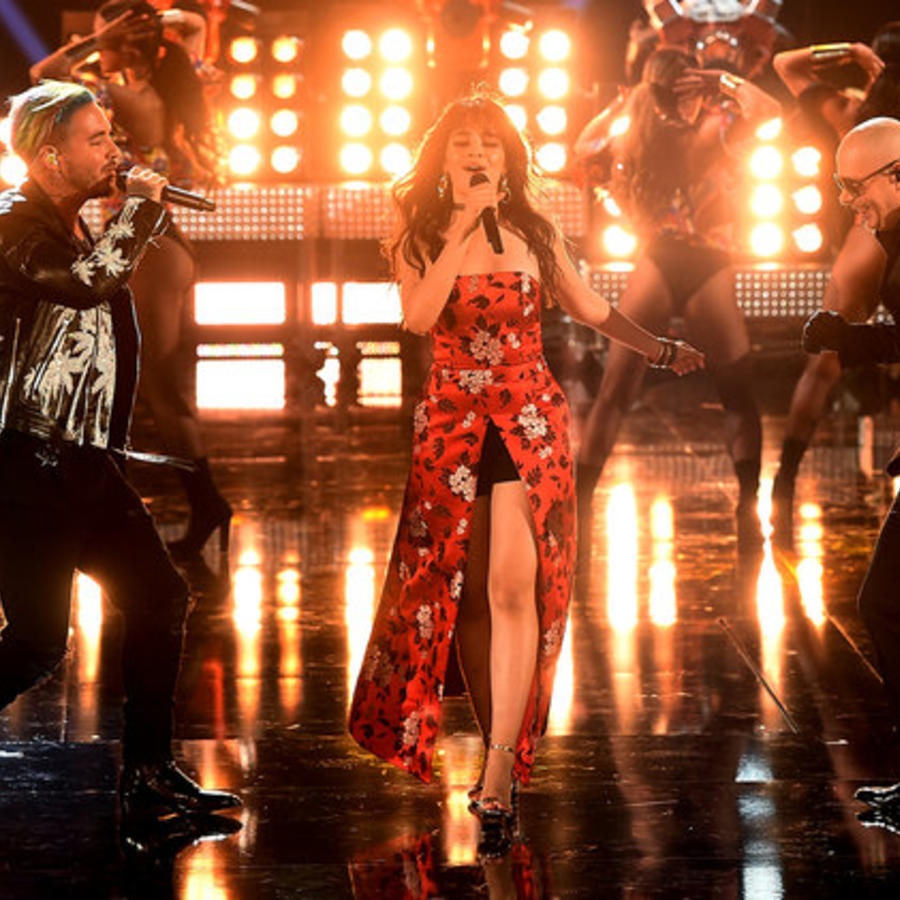 J Balvin, Camila Cabello, Pitbull en los MTV Movie Awards