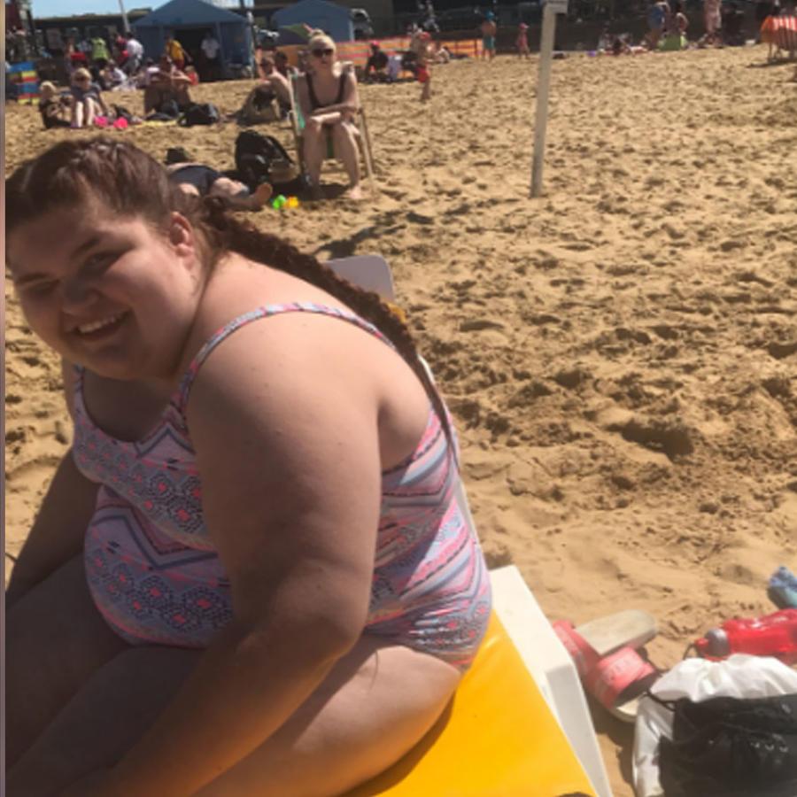 Una chica con obesidad de 13 años vence su mayor miedo