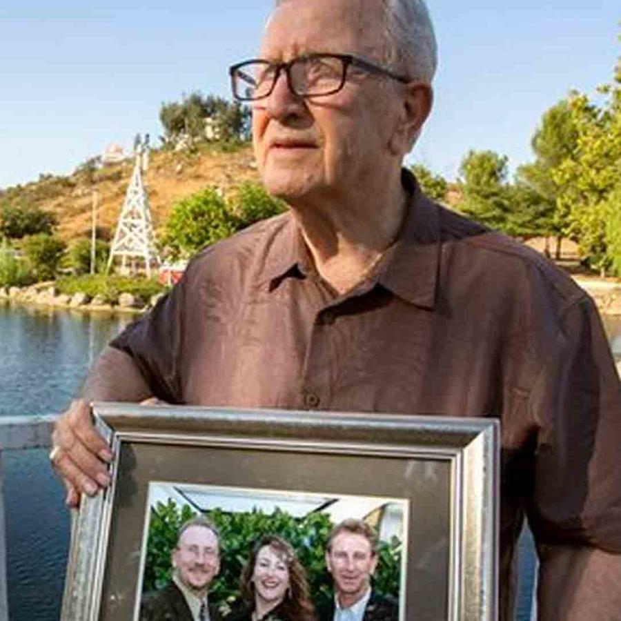 Se enteró de que su hijo estaba vivo después de enterrarlo