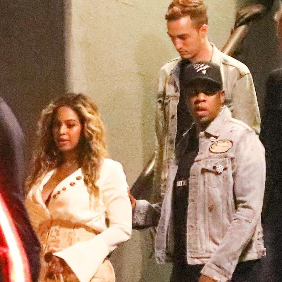 Beyoncé caminando con Jay Z