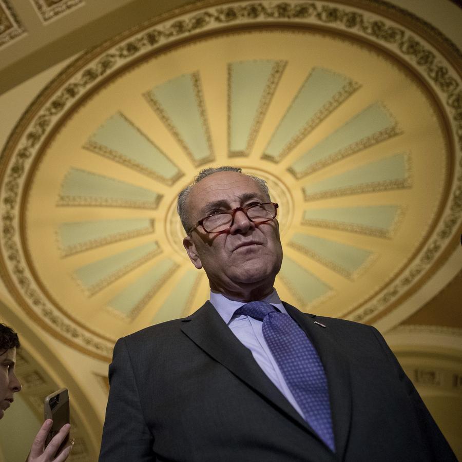 El líder de la minoría senatorial demócrata Chuck Schumer es visto en una conferencia de prensa en el Capitolio el 8 de julio del 2017.
