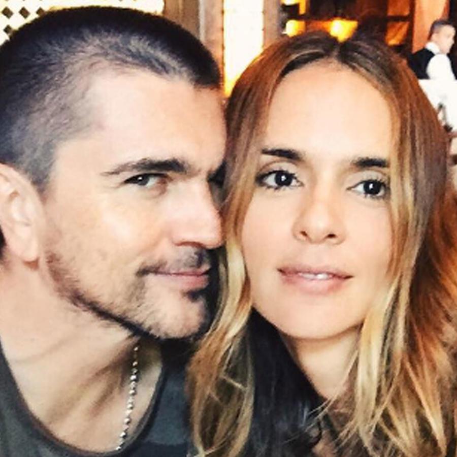 Juanes y su esposa