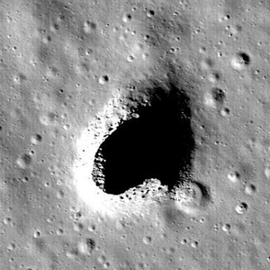 Tubo de lava en la luna