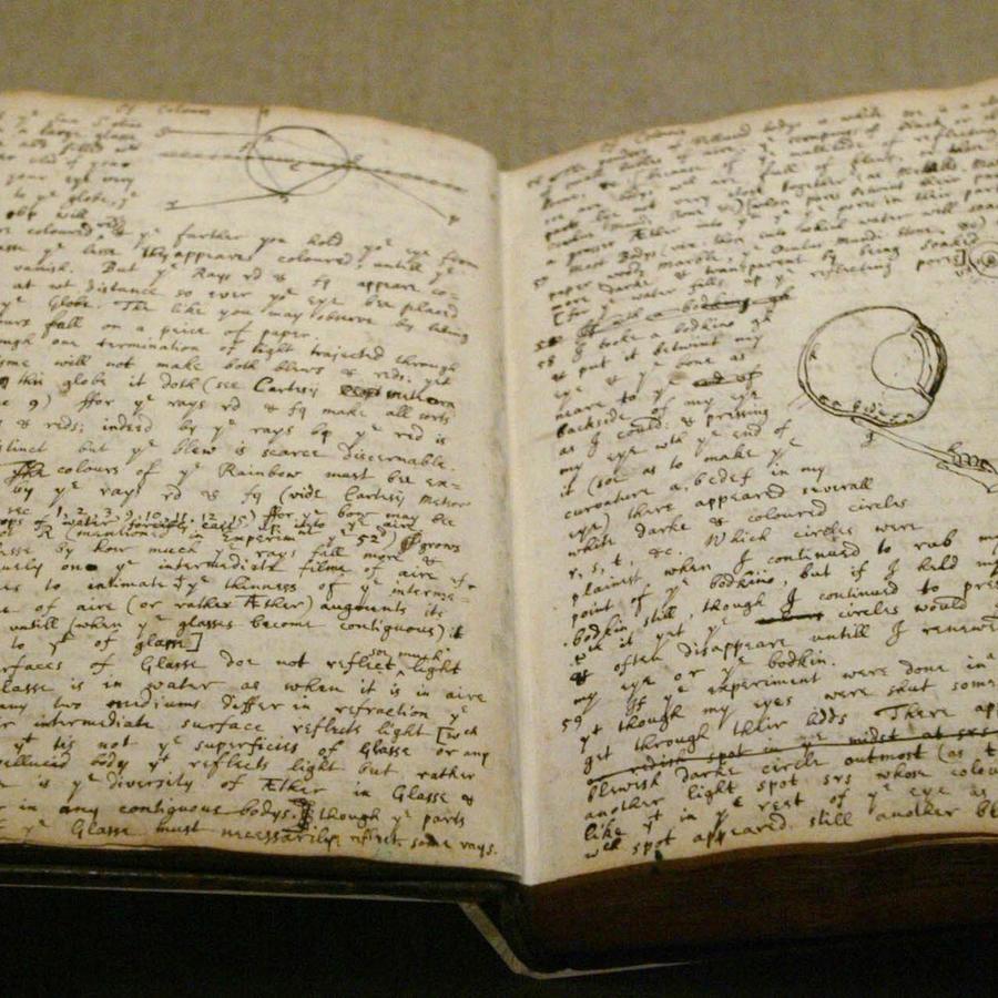 Un diario de Isaac Newton, expuesto en Nueva York en 2004.