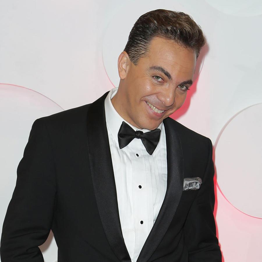 Cristian Castro sonriendo