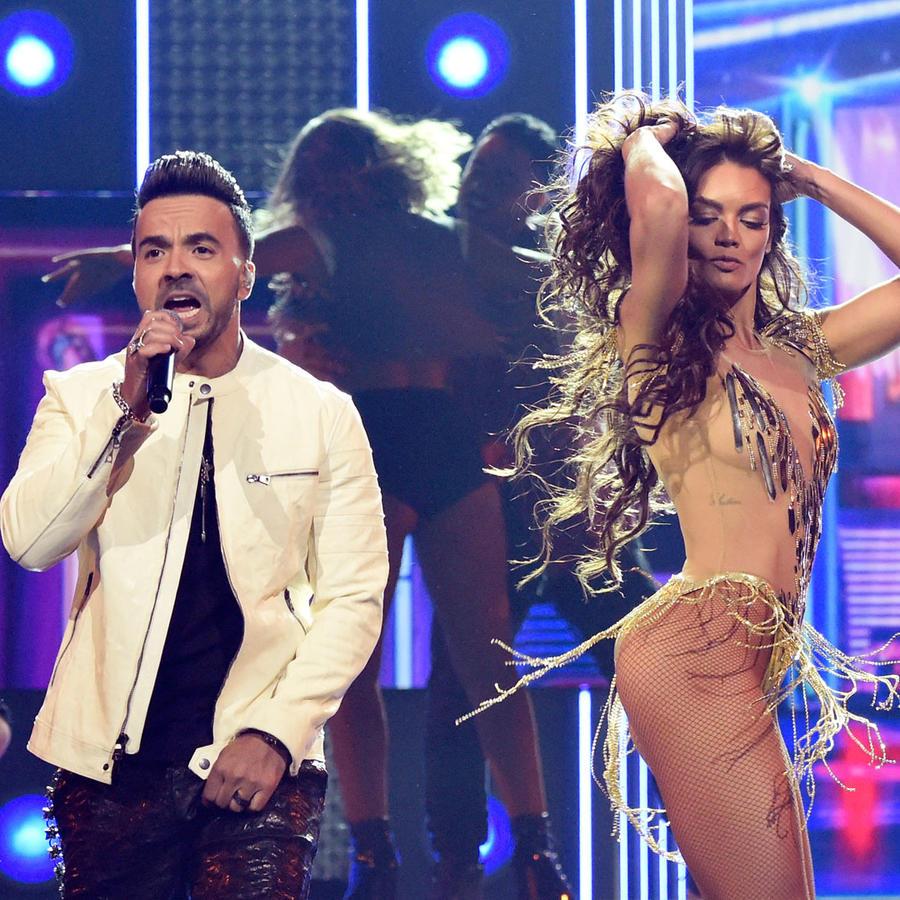 Luis Fonsi y Daddy Yankee en los Grammys 2018