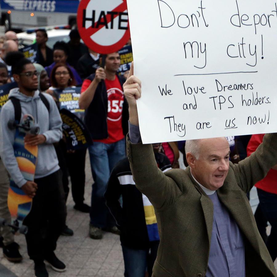 Protestas a favor de jóvenes beneficiados por DACA en una foto de archivo
