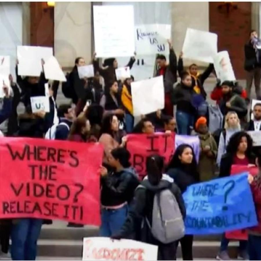 Protestas por video racista en universidad de Syracuse