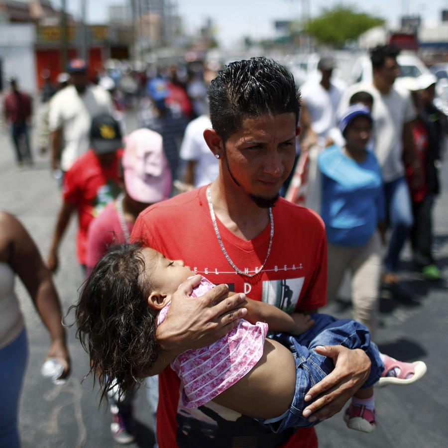 """Un miembro de la """"caravana"""" migrante en Hermosillo, México, el 23 de abril de 2018."""