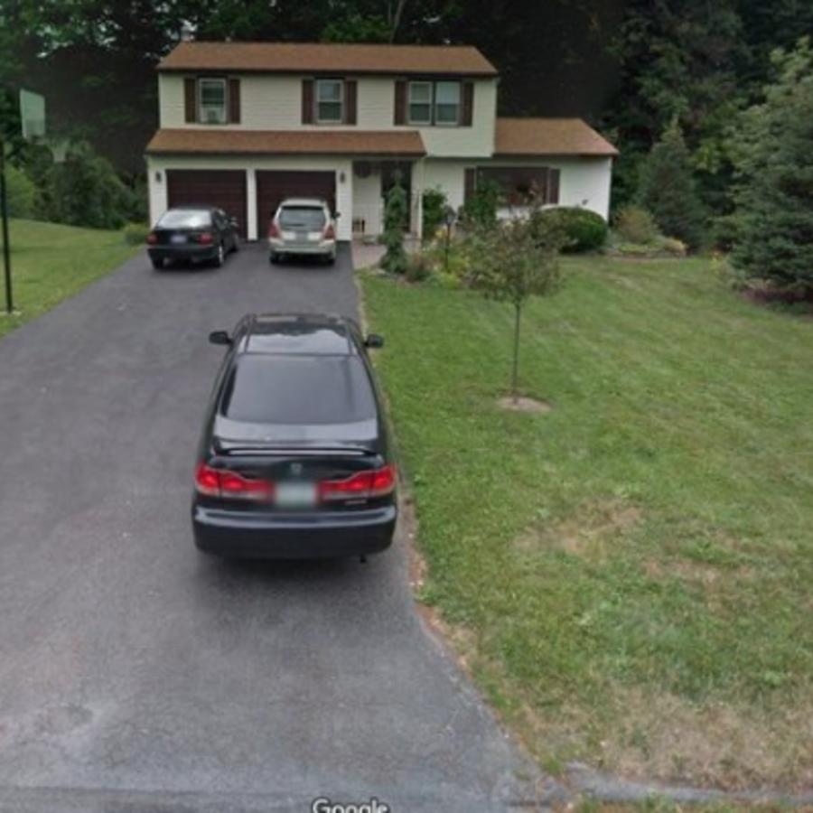 Imagen tomada de Google Maps de la casa de los padres de Michael Rotondo en Camillus, Nueva York